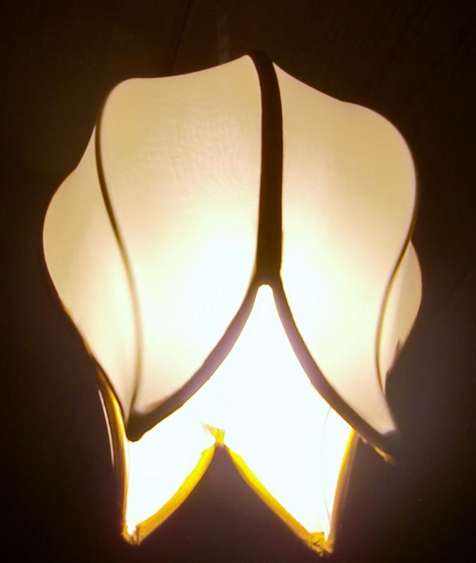 つぼみ型天井照明
