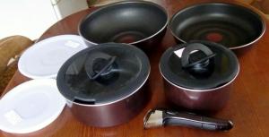 取っ手の取れる鍋セット